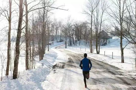 冬天跑步怎么热身?什么时候跑最合适?