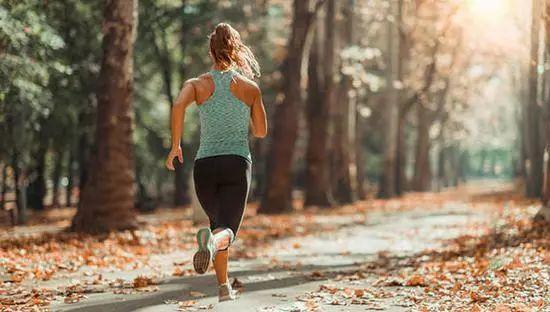 提升马拉松赛成绩,跑者可尝试这3种训练方法